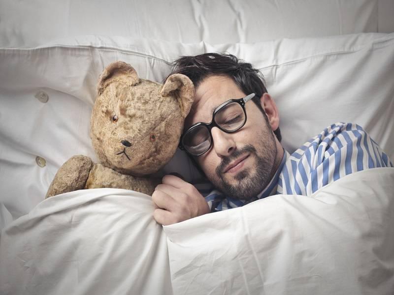 ¿Dormir adelgaza o engorda?