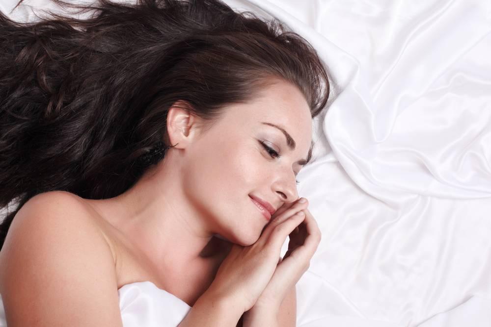 ¿Es mejor dormir sin pijama?